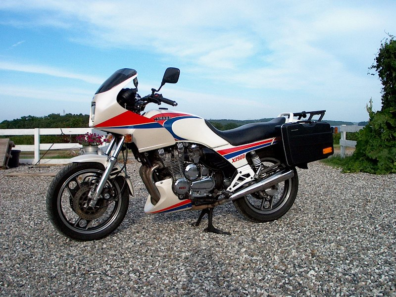 XJ900F